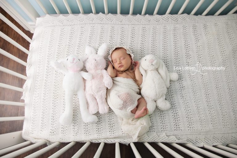 newborn-girl-crib