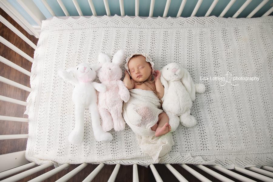 newborn-girl-crib