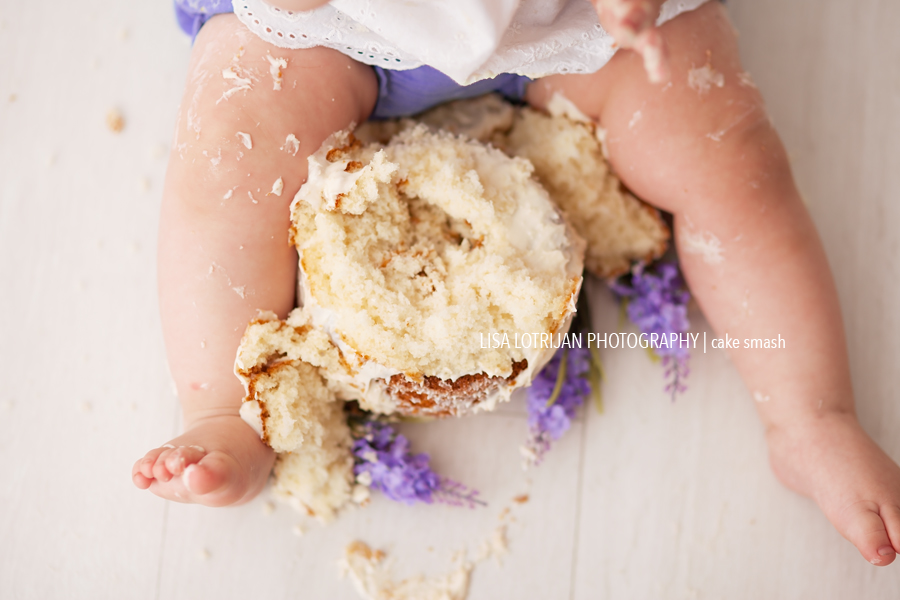 organic-cake-smash-girl
